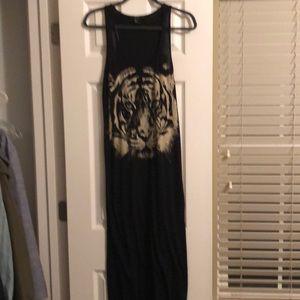 Forever 21 Dresses - BOGO 🦃 Graphic Tiger Maxi Dress